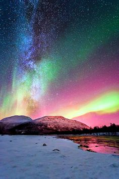 What a beautiful wonder of the world -the aurora borealis, as seen from northern norway (one of the seven natural wonders) Beautiful Sky, Beautiful Landscapes, Beautiful World, Beautiful Places, Beautiful Scenery, Ciel Nocturne, Night Skies, Sky Night, Amazing Nature