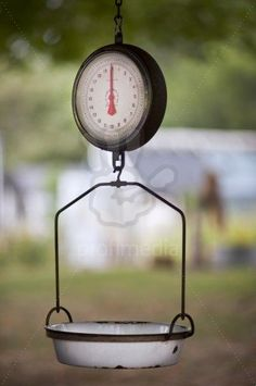 Old Scale at Farm Stand. It is a cute addition to any farm stands. Old Kitchen, Vintage Kitchen, Old Scales, Vegetable Stand, Market Stands, Farm Store, Fruit Stands, Down On The Farm, Hobby Farms