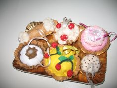 Xmas Ornamental Felt Cupcakes available on http://www.etsy.com/shop/EcoGioiePerilmondo