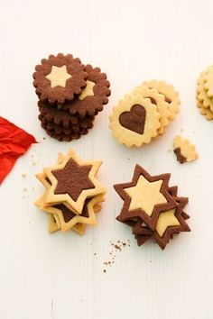 cookies Black and White Pastries - Johann Lafer Recipes - MSN Lifestyle Capture Immortality with Albums To live many happy moments of life. Sweet Cookies, Xmas Cookies, Biscuit Cookies, Fun Cookies, No Bake Cookies, No Bake Cake, Sugar Cookies, Christmas Treats, Christmas Baking