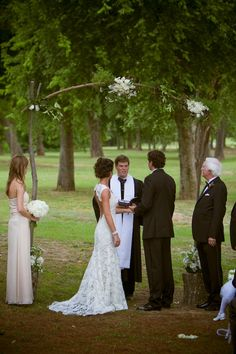 Custom designed floral arch for an outdoor ceremony | Elegant southern wedding at Fox Hall Resort and Sporting Club | Photography by JWKPEC Photography | GRO Floral and Event Design | Southern Charmed: Caroline and Alex