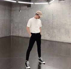 fashion mode, korean fashion men, fashion for boys, aesthetic fashion Korean Fashion Men, Fashion Mode, Aesthetic Fashion, Aesthetic Clothes, Trendy Fashion, Style Fashion, Fashion For Boys, Korean Men Style, Aesthetic Outfit