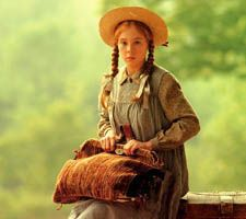 Netflix is planning to bring the classic Anne of Green Gables to a new audience with their remake, Anne. Based on the books by Lucy Maud Montgomery, Anne will air next year in an eight-episode, . Anne Auf Green Gables, Lm Montgomery, Megan Follows, Anne Shirley, Thing 1, Lie To Me, Before Us, Good Movies, Role Models
