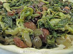 scarola alla napoletana My Favorite Food, Favorite Recipes, Happy Foods, Food Humor, Vegetable Side Dishes, Soul Food, Food Inspiration, Italian Recipes, Vegetarian Recipes