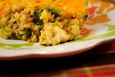 Cheesey Chicken & Broccoli Rice Casserole - 2C rice|chicken broth|3C broccoli|1/4C green onions|2 chicken|5t flour|2C milk,divided|1/3C sourcream|12oz cheddar cheese,divided|garlic|s&p - Cook rice,substitute H2O for broth.When 5min left,add broccoli&onion.Cook meat in skillet w/seasoning.Remove.Med heat,put milk in skillet,then flour&whisk.Gradually add 1 1/2C milk,whisk thick.Off heat,add 8oz cheese&sourcream.Combine rice/broc/mix,chicken&cheese sauce.Put in greased 9×13dish,top…