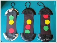 Red, yellow, green light paper plate art