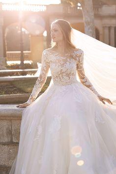 La Sposa gown by St Patrick Bridal // lace wedding dress