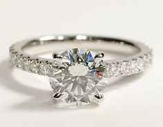 My perfect Engagement ring from James :)