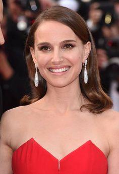 Cannes 2015: Natalie Portman wearing diamond Gocce earrings by de Grisogono.