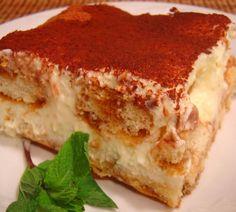 Olive Garden Tiramisu - Copycat - This is my go-to tiramisu recipe! Just Desserts, Delicious Desserts, Yummy Food, Torta Banoffee, Cake Recipes, Dessert Recipes, Sweet Recipes, Olive Garden Recipes, Tiramisu Recipe