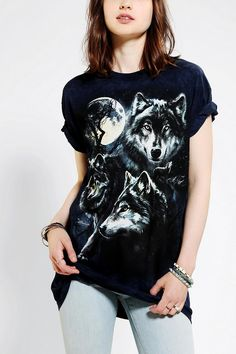 The Mountain Wolf Pack Boyfriend Tee #urbanoutfitters