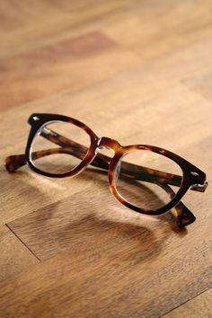 Tortoiseshell Reading Glasses #eyewear #eyeglasses #womensfashion