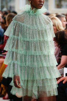 Valentino Spring 2019 Ready-to-Wear Fashion Show Valentino Spring. - Valentino Spring 2019 Ready-to-Wear Fashion Show Valentino Spring 2019 Ready-to-Wear - Fashion Details, Look Fashion, Trendy Fashion, Runway Fashion, Fashion Art, Fashion Show, Fashion Outfits, Womens Fashion, Dress Fashion