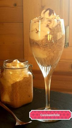 Bailey's coffee mousse recipe with a humming siphon. Coffee Mousse, Baileys Recipes, Vegan Ice Cream, Alcoholic Drinks, Cocktails, Cacao, Sorbet, Wine Glass, Deserts