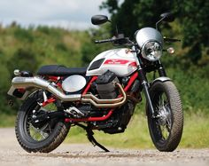 We take a look at the new and old versions of the Moto Guzzi Stornello: