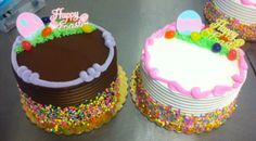 Chocolate and vanilla buttercream and fudge cakes! Which are you craving?