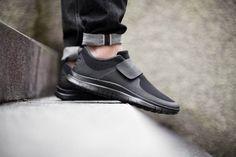 Nike Free Socfly ミニマル・モードな新作が発売