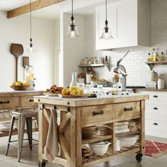Check Out 33 Beautiful Barn Kitchen Design Ideas. The main decor piece in a barn kitchen is wooden beams which make the space cozy, rustic and sweet. Marble Top Kitchen Island, Kitchen Island On Wheels, Farmhouse Kitchen Island, Kitchen Tops, New Kitchen, Kitchen Trolley, Kitchen Islands, Kitchen Small, Kitchen Ideas