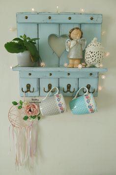 Unique Hand Painted Furniture by MyShabbyWonderland Shabby Chic Kitchen Shelves, Farmhouse Style Kitchen, Home Decor Kitchen, Farmhouse Decor, Diy Home Decor, Shabby Chic Garden, Shabby Chic Crafts, Decoration Shabby, Wooden Projects