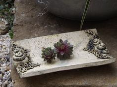 HauswurzWiege Pflanzschale Keramik Unikat Schnecke von Elfenflüstern ® auf DaWanda.com