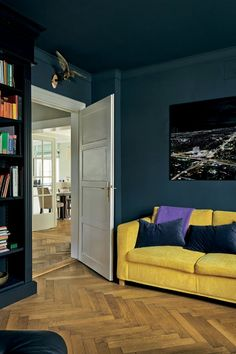 Scheme 3 - A media room and library with walls painted in Farrow & Ball Hague Bl. Scheme 3 – A media room and library with walls painted in Farrow & Ball Hague Blue and the woodwo Blue Rooms, Blue Bedroom, Dark Rooms, Farrow Ball, Hague Blue Kitchen, Stiffkey Blue, Dark Ceiling, Dining Room Blue, Dark Blue Living Room