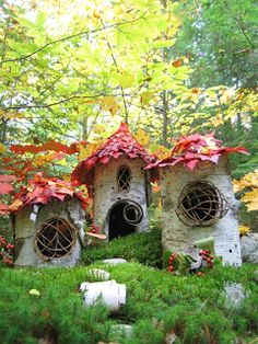 Leaf roofs fairy houses from autumnal leaves great little homes for woodland elf or pixie , nice art and craft make for kids , school or adult doll house maker , great eco craft for garden decoration or window sill in grimm and fairy or gypsy home. Magic Garden, Fairy Garden Houses, Gnome Garden, Garden Art, Garden Design, Home And Garden, Fairy Gardens, Miniature Gardens, Garden Crafts For Kids