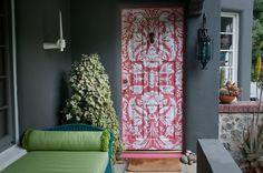 The Front Door eclectic - love this pink door! Exterior Doors, Entry Doors, Grey Exterior, Entry Wall, Interior Desing, Nordic Interior, Interior Paint, Modern Interior, Cool Doors