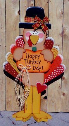 Thanksgiving Wood Decorations @happyheartpatterns Thanksgiving Wood Crafts, Fall Wood Crafts, Halloween Wood Crafts, Thanksgiving Wallpaper, Wooden Crafts, Thanksgiving Decorations, Holiday Crafts, Happy Thanksgiving, Thanksgiving Pictures