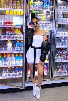 Looking fierce at the grocery store 🤩 I dig this aesthetic Fashion Killa, Look Fashion, 90s Fashion, Fashion Outfits, Womens Fashion, Trendy Outfits, Summer Outfits, Cute Outfits, Photoshoot Themes