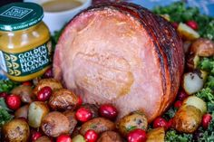 Honey Mustard Holiday Ham: This bone-in ham will be an appetizing centerpiece for a holiday dinner. Glistening with honey mustard glaze, the meat is juicy and flavorful. Honey Mustard Recipes, Honey Mustard Glaze, Honey Recipes, Holiday Ham, Holiday Dinner, Holiday Recipes, Frozen Dinner Rolls, Weekend Meal Prep, How To Cook Ham