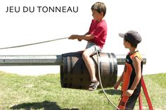 LE JEU DU TONNEAU Rock Games, Fun Games, Fun Activities, Outdoor Games For Kids, Outdoor Fun, Kids Obstacle Course, Festival Games, Church Games, Kids Pages