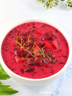 Zupa buraczkowa. Beetroot soup. Healthy Soup, Healthy Cooking, Polish Soup, Helathy Food, Soup Recipes, Diet Recipes, Beetroot Soup, Polish Recipes, Tortellini