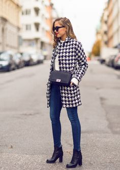 Spotted on kenzas.se our Houndstooth Wool Winter jacket