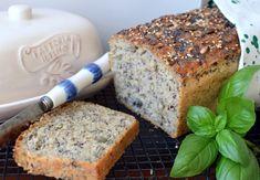 """Chleb """"5 ziaren"""" przykuł moją uwagę swoją nazwą. Składniki do jego przygotowania okazały się być mało wyszukane i wszystkie miałam w kuche..."""