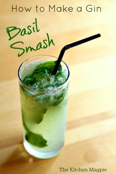 How To Make a Gin Basil Smash! This savory drink goes perfectly with your holiday meal! from {The Kitchen Magpie} Karlynn Johnston. Gin Basil, Basil Drinks, Basil Cocktail, Cocktail Drinks, Cocktail Recipes, Alcoholic Drinks, Craft Cocktails, Fresh Basil, Cocktails With Basil