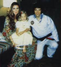 Elvis,Lisa & Linda - elvis-aaron-presley-and-lisa-marie-presley Photo