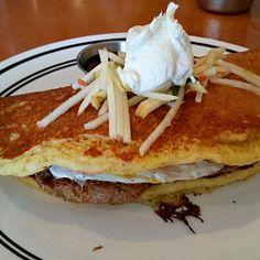 panwich (pancake sandwich with egg amd sausage) - 90件のもぐもぐ - パンケーキソーセージと卵のサンドイッチ by Juliee ~ ジュリー
