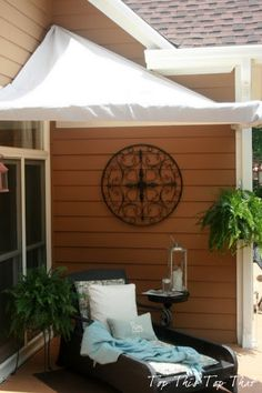 Top This Top That: Low Cost Outdoor Cabana - Tutorial :)  Use idea for patio corner but adapt