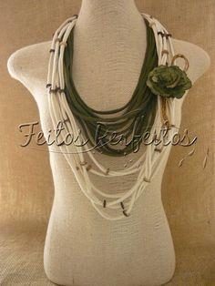 Accesorios en textiles. Inspiración. Old Sweatshirt, Diy Scarf, Fabric Necklace, Scarf Jewelry, Simple Style, Scarves, Jewelry Making, Textiles, Jewels