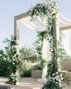 20 Simpale White And Greenery Wedding Color Ideas - Wedding Wedding Ceremony Arch, Wedding Altars, Wedding Scene, Backdrop Wedding, Wedding Church, Wedding Ceremonies, Wedding Venues, Destination Wedding, All White Wedding