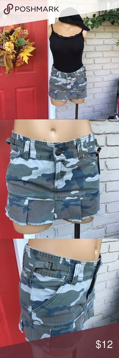 Mossimo camo ruffle mini skirt Ruffle pleated bottom mini camo cargo style skirt. New w/tag. Mossimo Supply Co. Skirts Mini