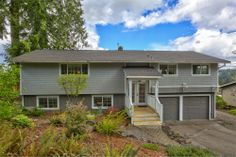 Fabulous Downtown Location l 3311 Grandview Street in Historic Downtown Gig Harbor l Presented by the Burnett Hutchins Real Estate Group l Keller Williams