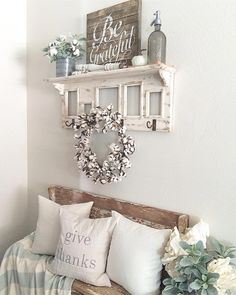 45 Diy Rustic Country Home Decor For Cozy Home Design Ideas - Chic Decor 4 Shabby Chic Homes, Shabby Chic Decor, Rustic Decor, Primitive Decor, Shabby Chic Entryway, Decor Vintage, Primitive Country, Rustic Wood, Rustic Farmhouse Entryway