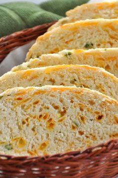"Jim's Cheddar Onion Soda Bread | ""Hubs said he'd rather have this than dessert. "" #irishrecipes #stpatricksday #stpatricksdayrecipes Irish Recipes, New Recipes, Real Food Recipes, Irish Bread, Food Club, Soda Bread, Bread Rolls, Quick Bread, Dinner Rolls"