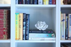 7 different ways to organize a bookshelf. I want a space with lots and lots of bookshelves!