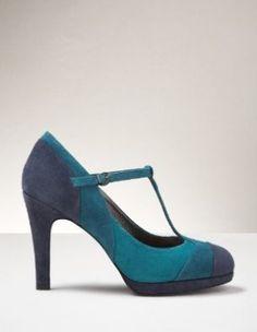 So blue. blue suede shoes. by benavente.rosa