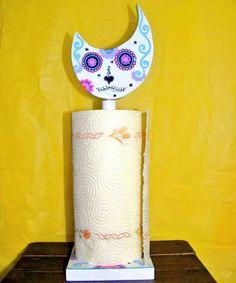 """Gatto porta scottex """" Teschio messicano"""". Pagina Facebook: DOV'È ANDATO IL BIANCONIGLIO?"""