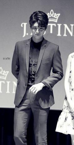 박보검 160517 제이에스티나 시사회 [ 출처 : 희망 https://twitter.com/hope_0616/status/732809009854578688 ]