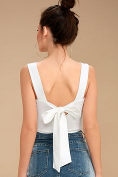 Sun in Acapulco White Tie-Back Crop Top 2 Classy Outfits, Trendy Outfits, Cool Outfits, Crop Top Elegante, Iranian Women Fashion, Crop Top Outfits, Summer Fashion Outfits, Two Piece Outfit, Trendy Tops