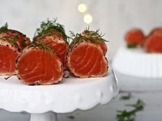 Lohipastrami — Peggyn pieni punainen keittio Caprese Salad, Caviar, Starters, Grapefruit, Fish, Meat, Pisces, Insalata Caprese